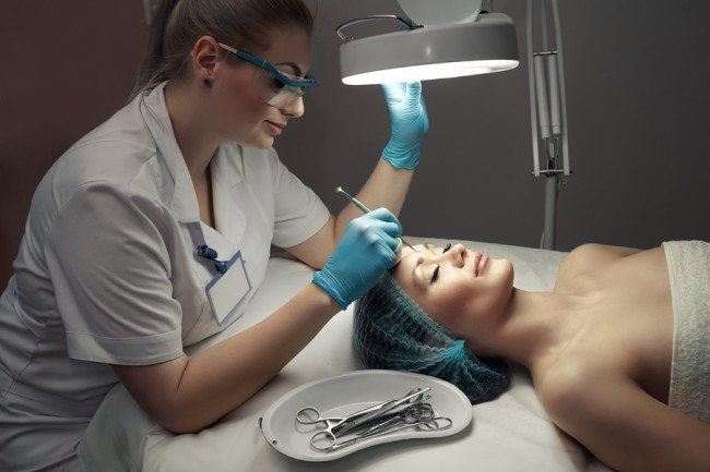 Jak Wybrać Lampy Kosmetyczne Wyposażenie Salonów